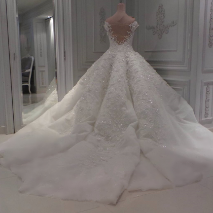 sweetheart ball gown wedding dresse..