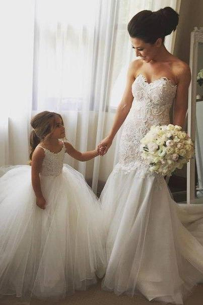 Lace Appliques Sweetheart Floor Length Tulle Mermaid Wedding Dress Featuring Train