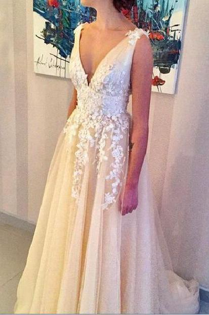 2018 Sexy Wedding Dress, Deep V-neck Wedding Dresses,A-line Appliques Bridal Gown, Long Wedding Gown