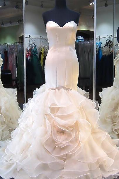 Strapless Sweetheart Mermaid Wedding Dress with Ruffled Skirt