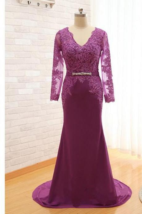 2017 New Purple Long Sleeves Mother Of The Bride Dresses Lace Applique V Neck Sweep Train Evening Dresses Beading Wedding Party Dresses