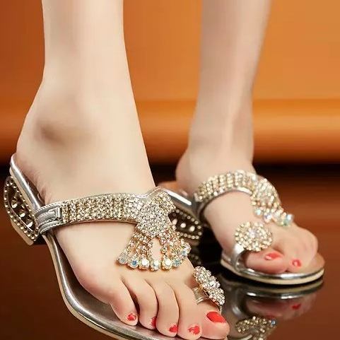 2017 Fashion Sexy Crystal Ring Toe Post Sandals Chunky Mid Heels Pumps Mules Shoes